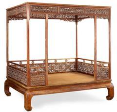 黄花梨螭龙纹六柱架子床