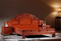 华厦·大不同 大果紫檀 缅甸花梨 中式家具 红木家具 古典家具 新古典家具 中式卧房 卧房系列 洋花大脚床3件套