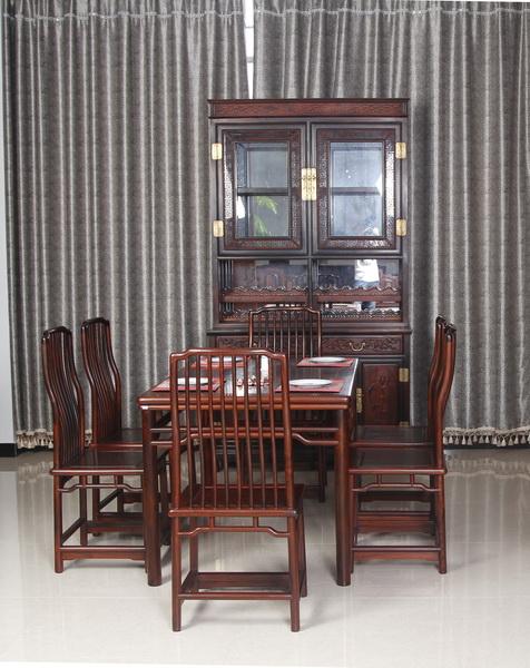 餐桌 、 酒柜(恒达木业)