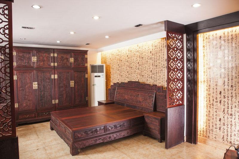 古典床+顶箱柜